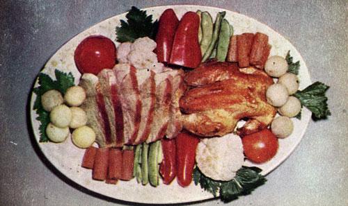Курица и телятина жаренные с гарниром