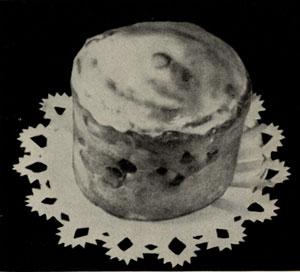 Кулич с верхом, заглазированным помадой
